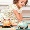 Pluszowe autko z napędem - piesek B.Toys