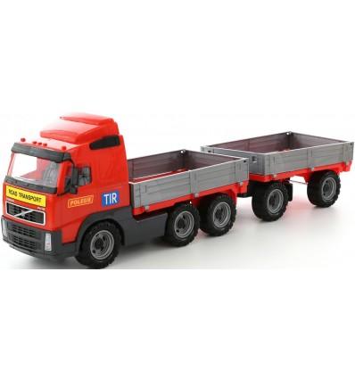 Ciężarówka Volvo z przyczepą